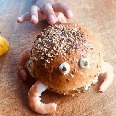 Recette du burger d'été : Le crabe-burger (atelier cuisine pour enfants)